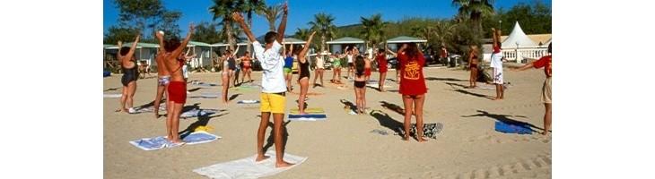 Este verano, Omplit d'arena practicando deporte